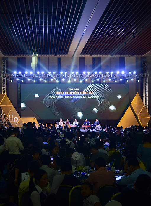 "DAT XANH MIEN TRUNG GROUP: ""ONE WORLD REGENCY"" LAUNCHING CEREMONY"