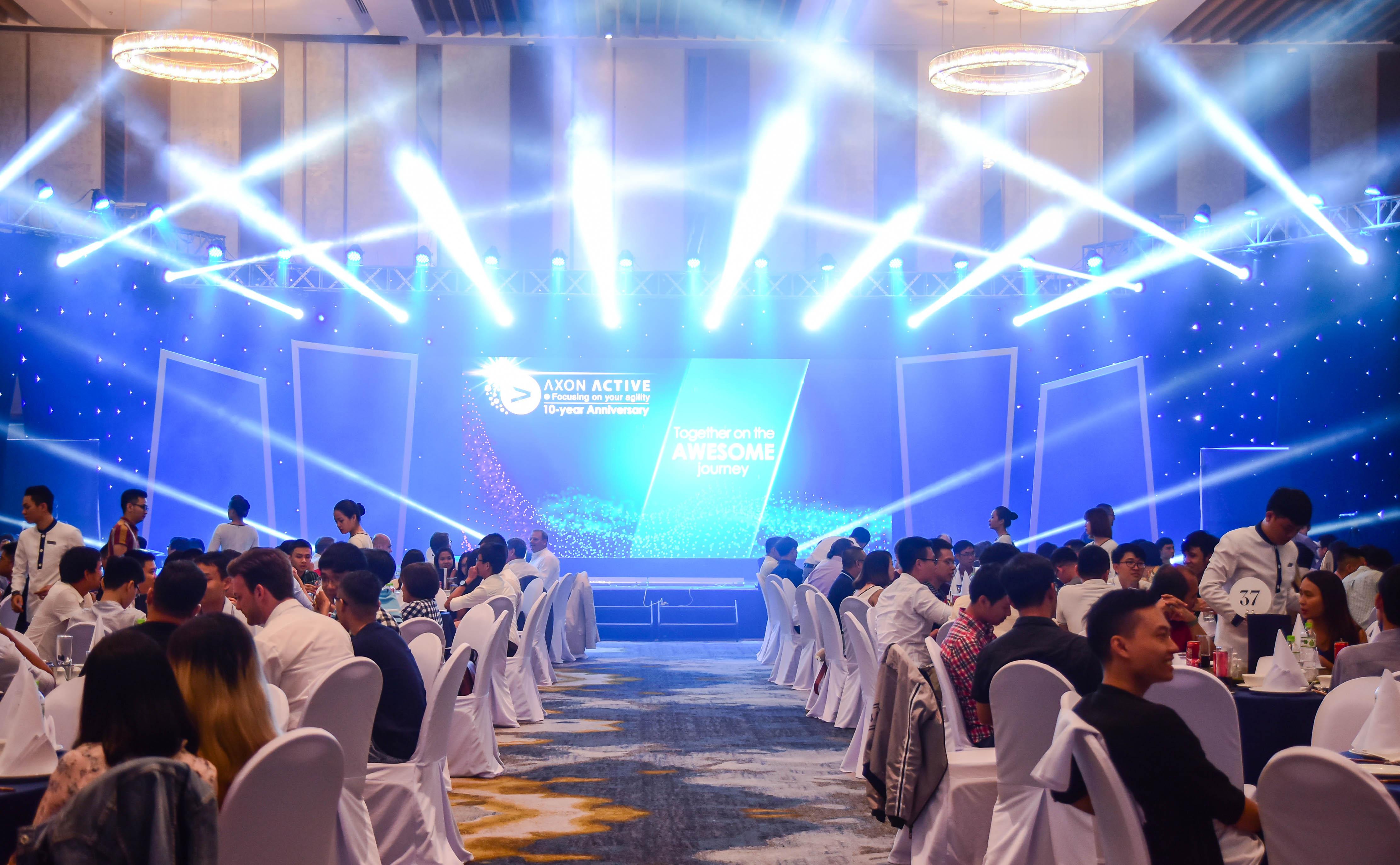 AXON ACTIVE 베트남 : 10주년 기념식
