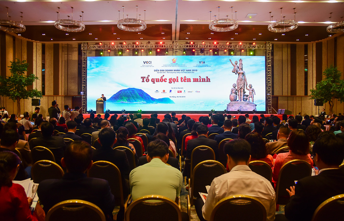 VIETNAMESE ENTREPRENEURS ASPIRE TO PEACE, INTEGRATION AND PROSPERITY