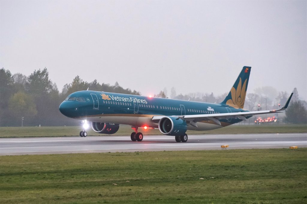 Vietnam Airlines to launch Danang-Van Don service