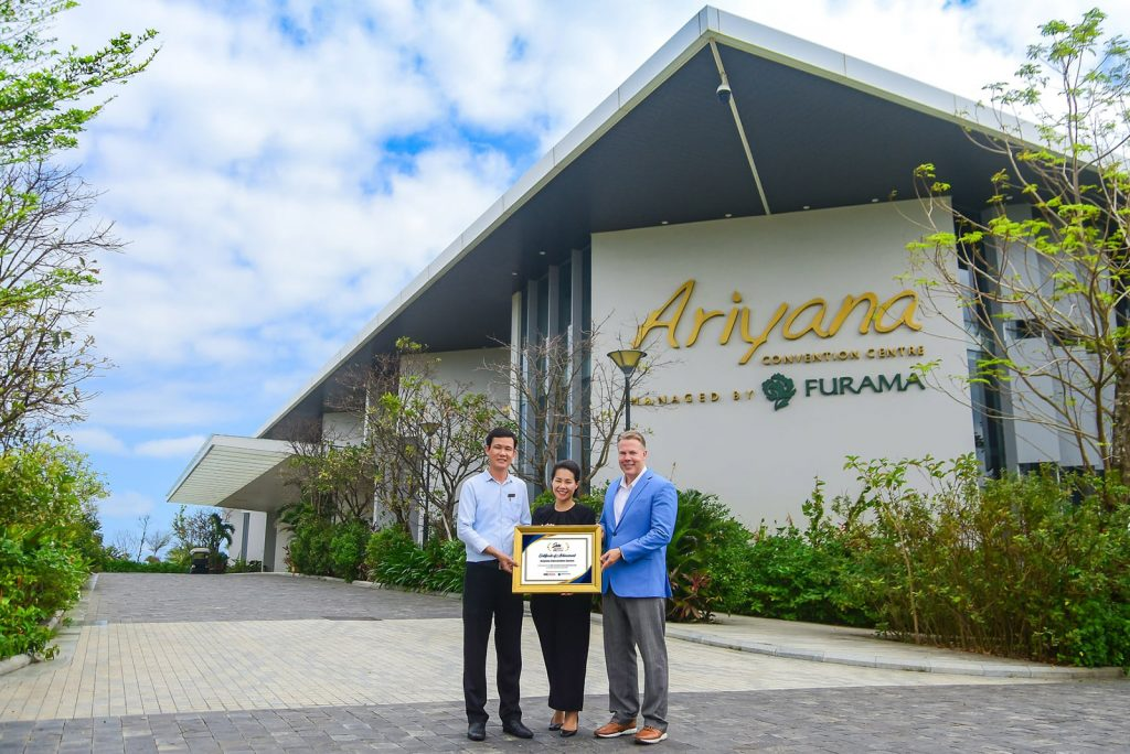 "M&C Asia Stella 2020 Granted Ariyana Convention Centre Danang As ""Best Convention Centre"" In Southeast Asia"